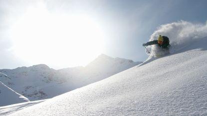 VIDEO. Skiërtje (12) na veertig minuten levend vanonder lawine gered