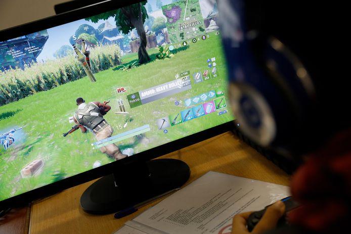 Een jongen speelt het populaire schietspel Fortnite. Foto ter illustratie.