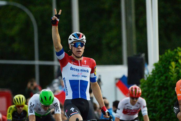Fabio Jakobsen wint de slotrit van de Vuelta in 2019.  Eén van zijn hoogtepunten.