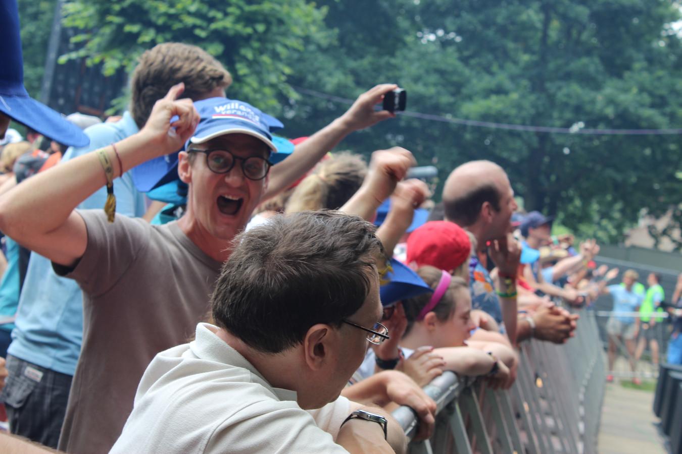 Op de eerste rij stonden de grootste enthousiastelingen.