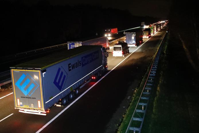 Lange files tot ver in de avond na een ongeluk op de A67 bij Asten.