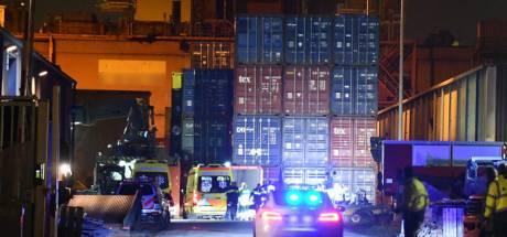 Werknemer die onder container terechtkwam in Vlissingen-Oost overleden