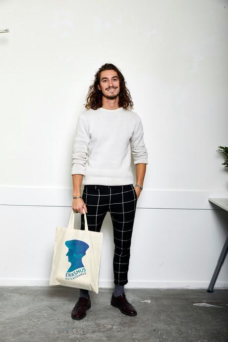 Rotterdammer steekt Erasmus in een nieuw, kek jasje