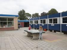 Gemeente onderzoekt noodlokalen  van 'schimmelschool' Rockanje