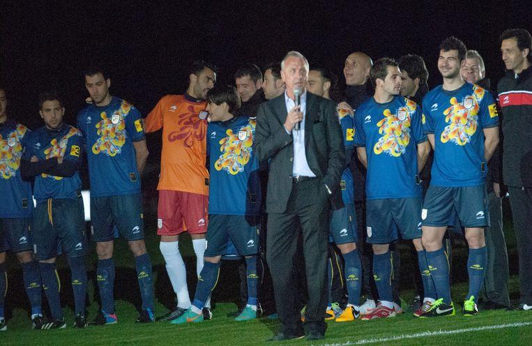 Johan Cruijff als bondscoach van Catalonië in 2013. Beeld Federacio Catalana de Futbol