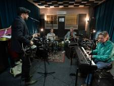 Achterhoekse rockband Moonyard heeft baat bij 'fris oor' van drummer en producer De Dijk