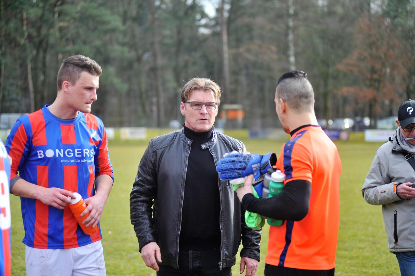 CHRC-trainer Chris van de Peppel heeft een elftal aan nieuwe spelers.