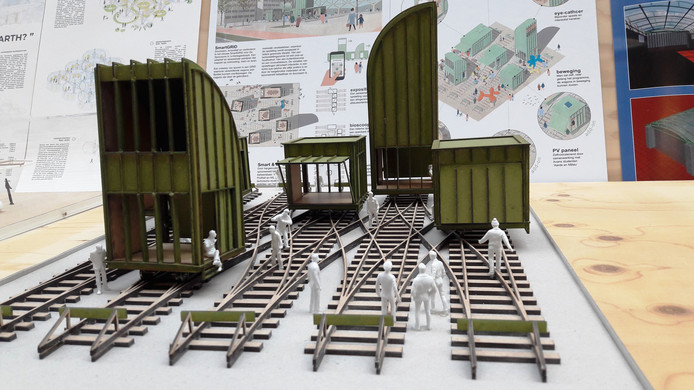 Maquette voor de ontwerpwedstrijd van de BAI, die momenteel worden geëxposeerd in de hal van het stadskantoor. De inzenders zijn anoniem tot een jury zich erover heeft gebogen.