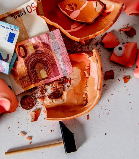 Is het geen tijd om alle schulden van probleemgevallen gewoon kwijt te schelden?