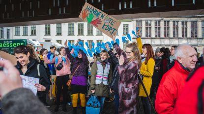 250 leerkrachten staken onder Stadshal