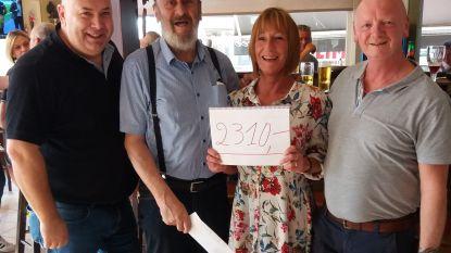 Warm gebaar: vrienden schenken 2.310 euro aan door brand getroffen koppel