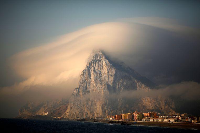 Gibraltar: een grote rots aan de Spaanse zuidkust. Zes vierkante kilometer groot, aantal inwoners: een kleine 30.000. Beeld Reuters