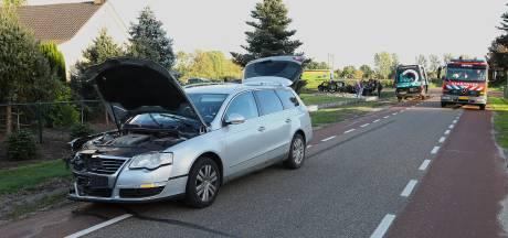 Vrouw gewond bij ongeluk in Nuland: auto flink in de kreukels