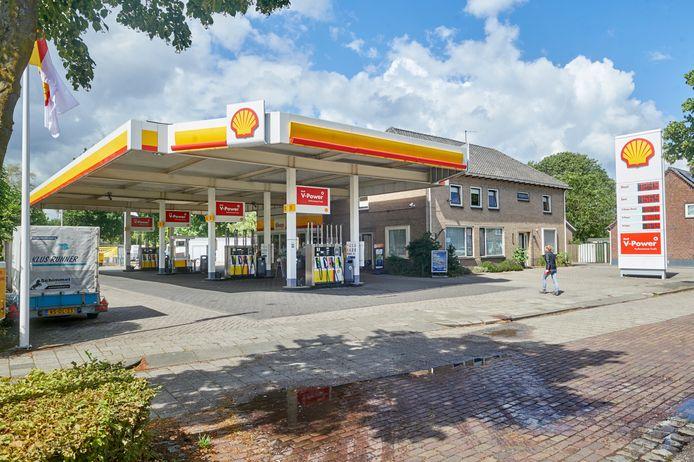 Het Shellstation in Heesch gaat mogelijk wijken voor woningbouw.