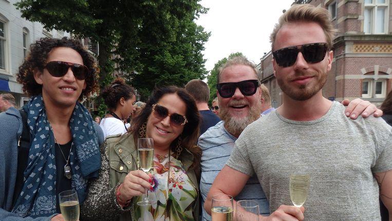 Chef-kok Wesley Allan Petterson, modeontwerper Tessa Koops, stylist Bastiaan van Schaik en Matthijs Visser (vastgoed) (vlnr). Beeld Schuim