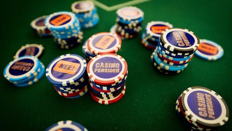 FNV Bondgenoten voerde vrijdag actie met 'Wat Actie Geen casinopensioen!' Beeld anp
