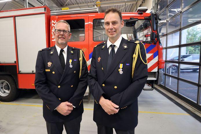 Patric van de Ven (l) en Robin Martens van de Sonse brandweer.