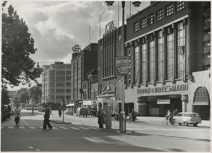 Vroom & Dreesmann aan het Spui in 1951.