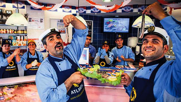 De viswinkel van Abdullah (l) en Umut Tagi haalde als enige een 10.