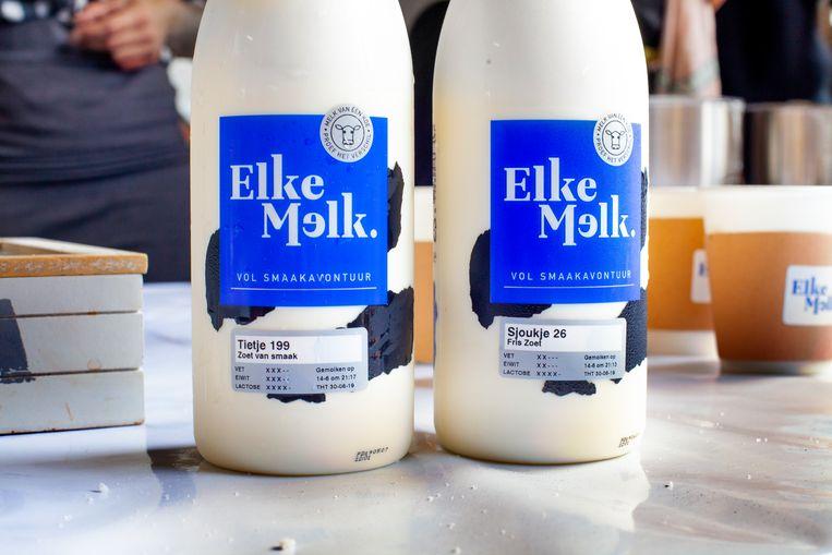 Flessen melk van Elkemelk met de melk van Tietje 199 ('zoet van smaak') en Sjoukje 26 ('fris zoet'). Beeld Maarten Hartman