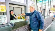 Tramchauffeur Johan (61) werd onwel op warmste dag van het jaar, vandaag zet hij reddende collega Fabienne in de bloemen