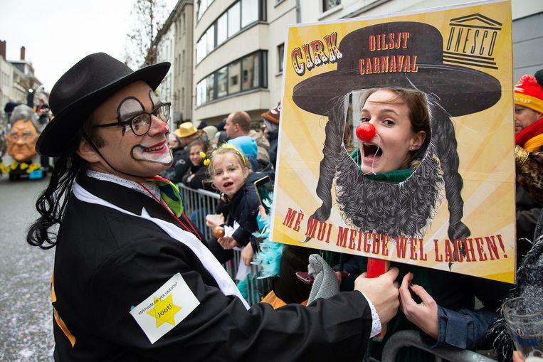 'Jodenhumor' in Aalst. Het invloedrijke American Jewish Committee vraagt aan de Europese Unie om een onderzoek naar de 'antisemitische parade'.  Beeld Belga