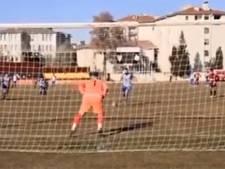 Une faute, deux gardiens et trois penaltys arrêtés: action surréaliste en Turquie