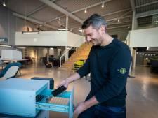 Arnhems kastje doodt corona; in twintig seconden een virusvrije telefoon