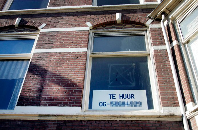 Kamerverhuurders in Eindhoven zijn bang dat hun panden 'illegaal' worden verklaard.