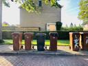 Inzameldag van gft-afval in Yerseke. In elke straat zijn wel één of twee grijze gft-bakken te vinden.