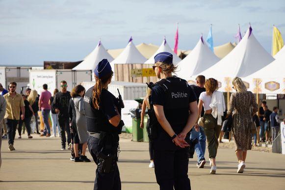 De jongeman vluchtte weg bij een controle aan de ingang van Ostend Beach. (archieffoto)