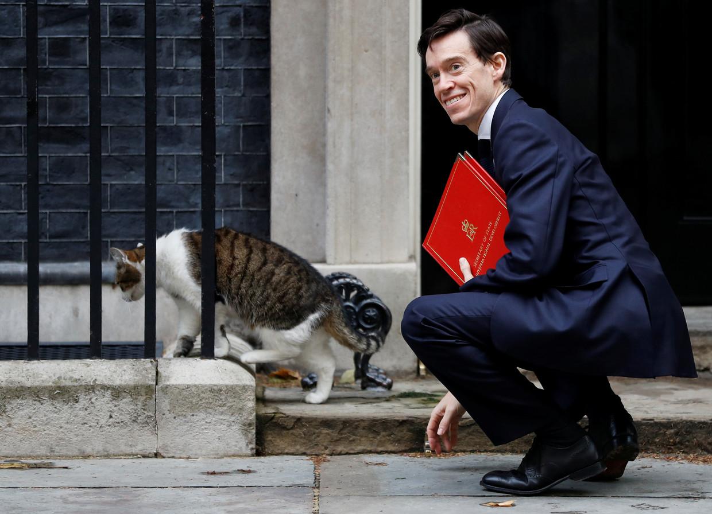 Rory Stewart met Larry, the chief mouser van Downing Street.
