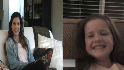 Vader interviewt dochter dertien jaar lang bij eerste schooldag