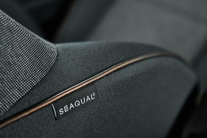 Duurzame binnenbekleding: Seaqual verwerkt hergebruikt oceaanplastic op de stoelen