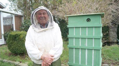 """Oudste imker van België (93) woont in Lichtervelde: """"Ooit bijen gehouden in Congo. Dat waren 'stekbeesten' hoor"""""""