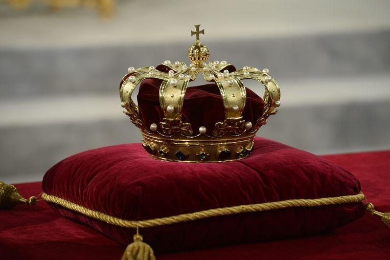 In de Nieuwe Kerk ligt de kroon al klaar. Beeld anp