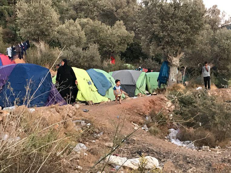 Het vluchtelingenkamp op Samos. Beeld Thijs Kettenis