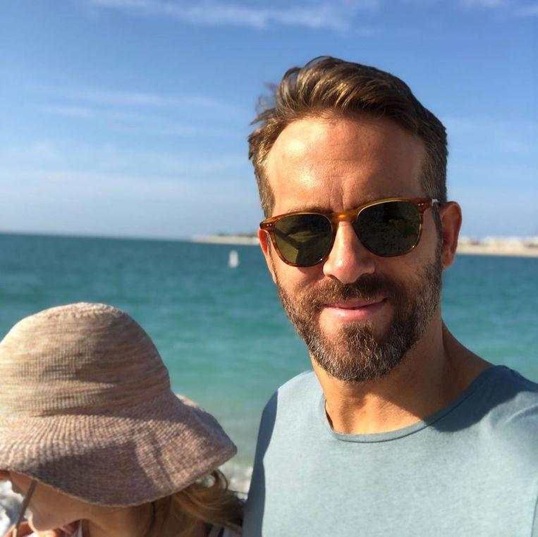 Ryan Reynolds zet Blake Lively voor schut op verjaardag