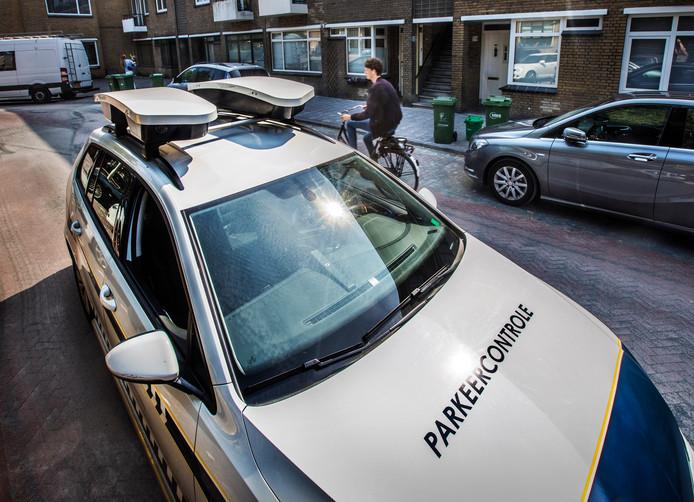 Sluis voert vanaf 1 maart kentekenparkeren in, waarmee snellere controles met een scanauto mogelijk worden. In de loop van het jaar zal zo'n auto in Sluis gaan rondrijden.