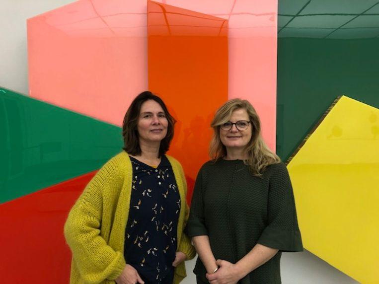 Mireille Huizenga (51) en Lucienne van der Steen (53) Beeld