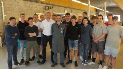 """Meester Geert geeft na 39 jaar laatste les op VTI: """"En nu? Avondles houtbewerking volgen ... in het VTI"""""""