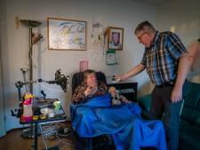 Gehandicapte Antoinette woont nog noodgedwongen bij broer Willem: 'Situatie blijft uitzichtloos'