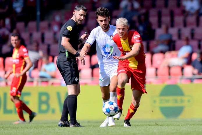 Luuk Brouwers, de nieuwe middenvelder van Go Ahead Eagles.