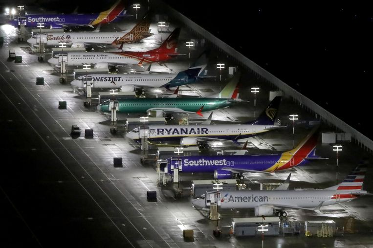 Geparkeerde Boeings van het type 737 Max. Onlangs werd onthuld dat de luchtvaartinspectie wist dat de 737 Max kwetsbaarder is voor ongelukken dan gedacht.   Beeld Gary He / Reuters