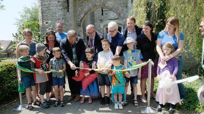 Ridders, prinsesjes en politici openen kasteeldomein