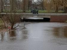 Hoog water in de singels van Breda