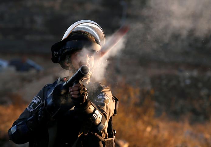 Het Israëlische leger en grenspolitie treden hard op tegen Palestijnse betogers.