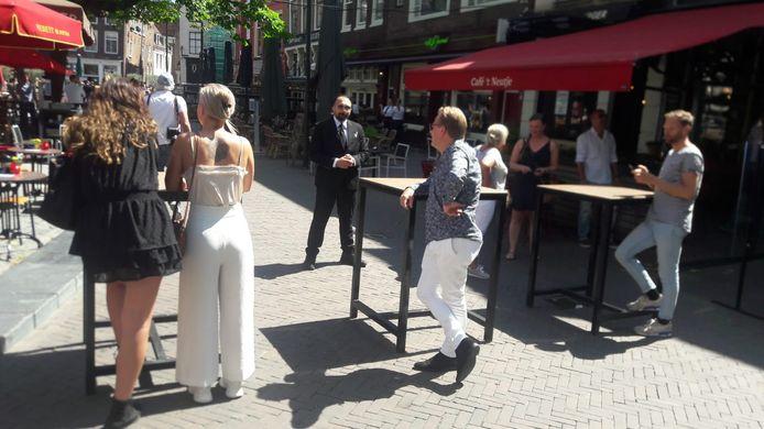 Wachten op de heropening van de horeca in Utrecht.