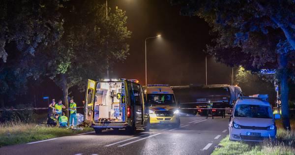 Fietser overleden na aanrijding met auto in Alphen.