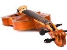 Perfect spelende violist kluistert aan de snaren in Mendelssohns vioolconcert in Muziekgebouw Eindhoven